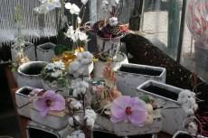 Sezónní dekorace - keramika a umělé květiny (ID500)